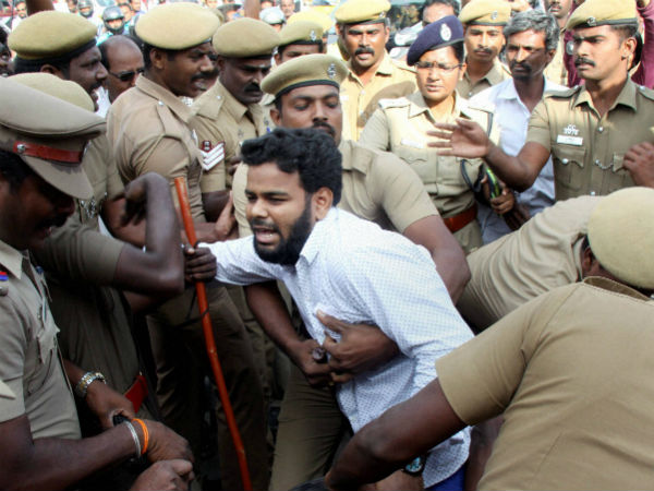 Jallikattu: Why is the judiciary silent on police excess at Chennai?