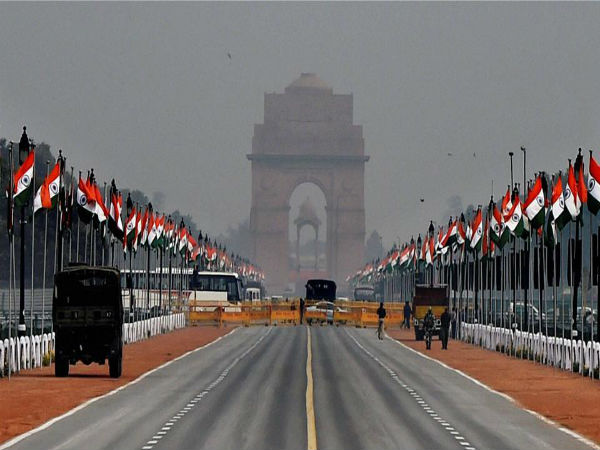 Live Updates: President Pranab Mukherjee arrives at Rajpath for Republic Day parade