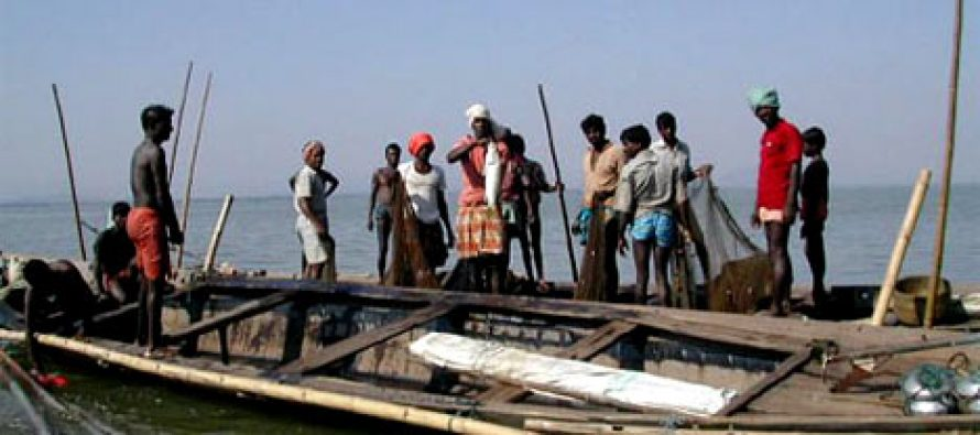 Vamaradchchi Fishermen issue warning – We will get into the sea to stop Indian Fishermen if government and Navy will not act