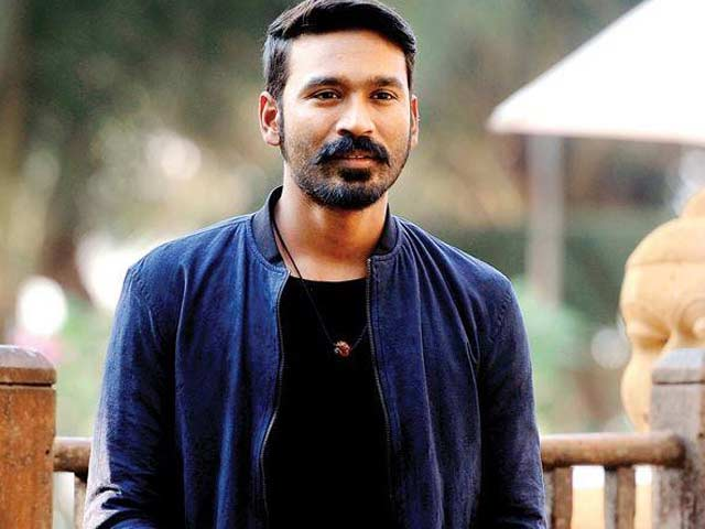 Dhanush is God and I want to touch his feet: Popular Singer