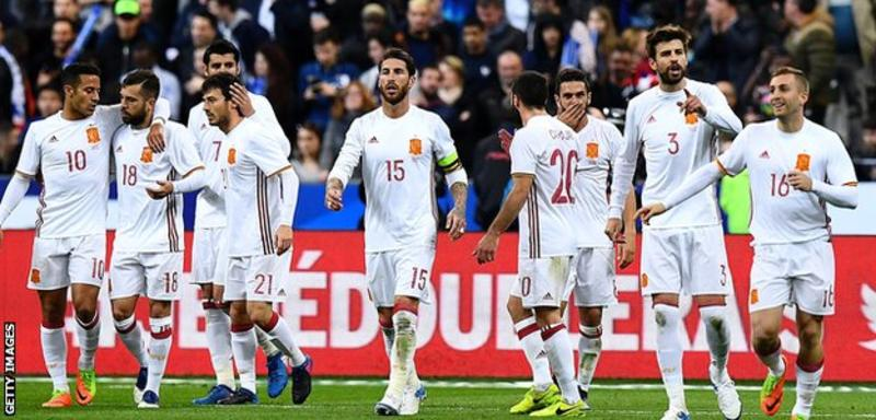 Video technology was used to correct two wrong decisions as Spain beat France in a friendly in Paris.