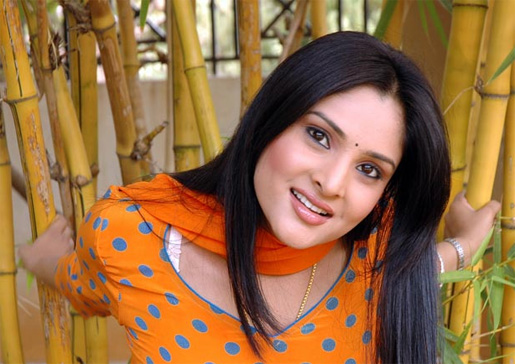 Actress Ramya Hospitalised!