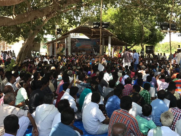 Neduvasal protests called off after Union minister holds talks