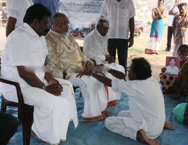 Chief Minister meets relatives of Missing Persons in Kilinochchi