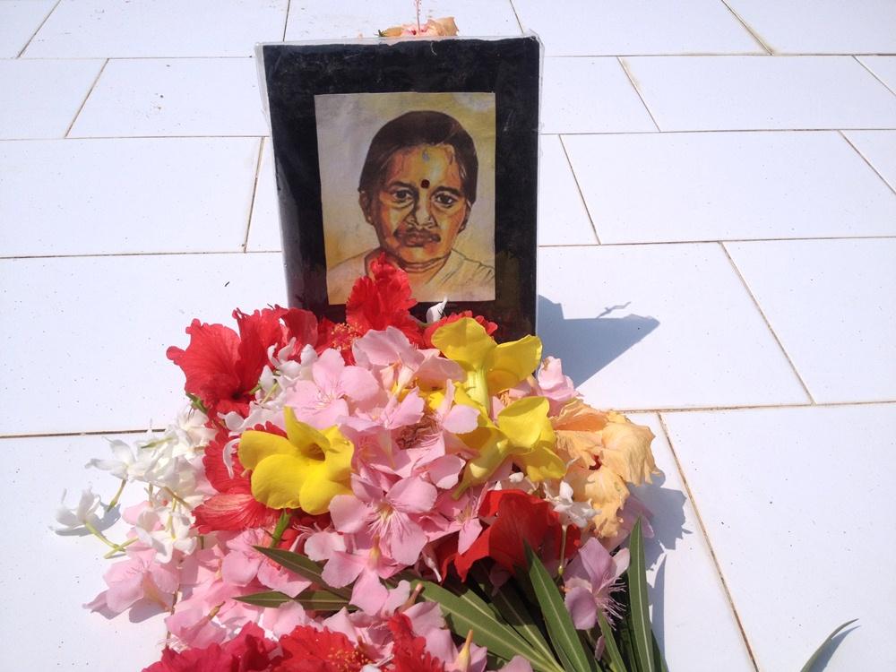 Annai Poopathi (1)
