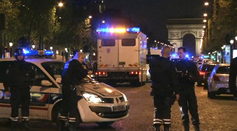Paris attack: IS group claims Champs-Elysees shooting on police officers