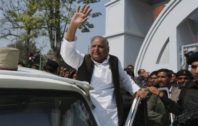 Samajwadi Party leader Mulayam Singh Yadav waves to supporters after casting his vote at a polling station in Saifai, in Etawah, Uttar Pradesh, India, Sunday, Feb. 19, 2017. Uttar Pradesh and four other Indian states are having state legislature elections in February-March, a key mid-term test for Prime Minister Narendra Modi's Hindu nationalist government which has been ruling India since 2014. (AP Photo/Rajesh Kumar Singh)