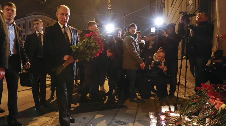 St Petersburg subway blast kills 11; police defuse second bomb