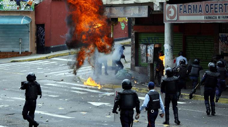 Venezuela: 2 dead, over 400 arrested in anti-government demonstrations
