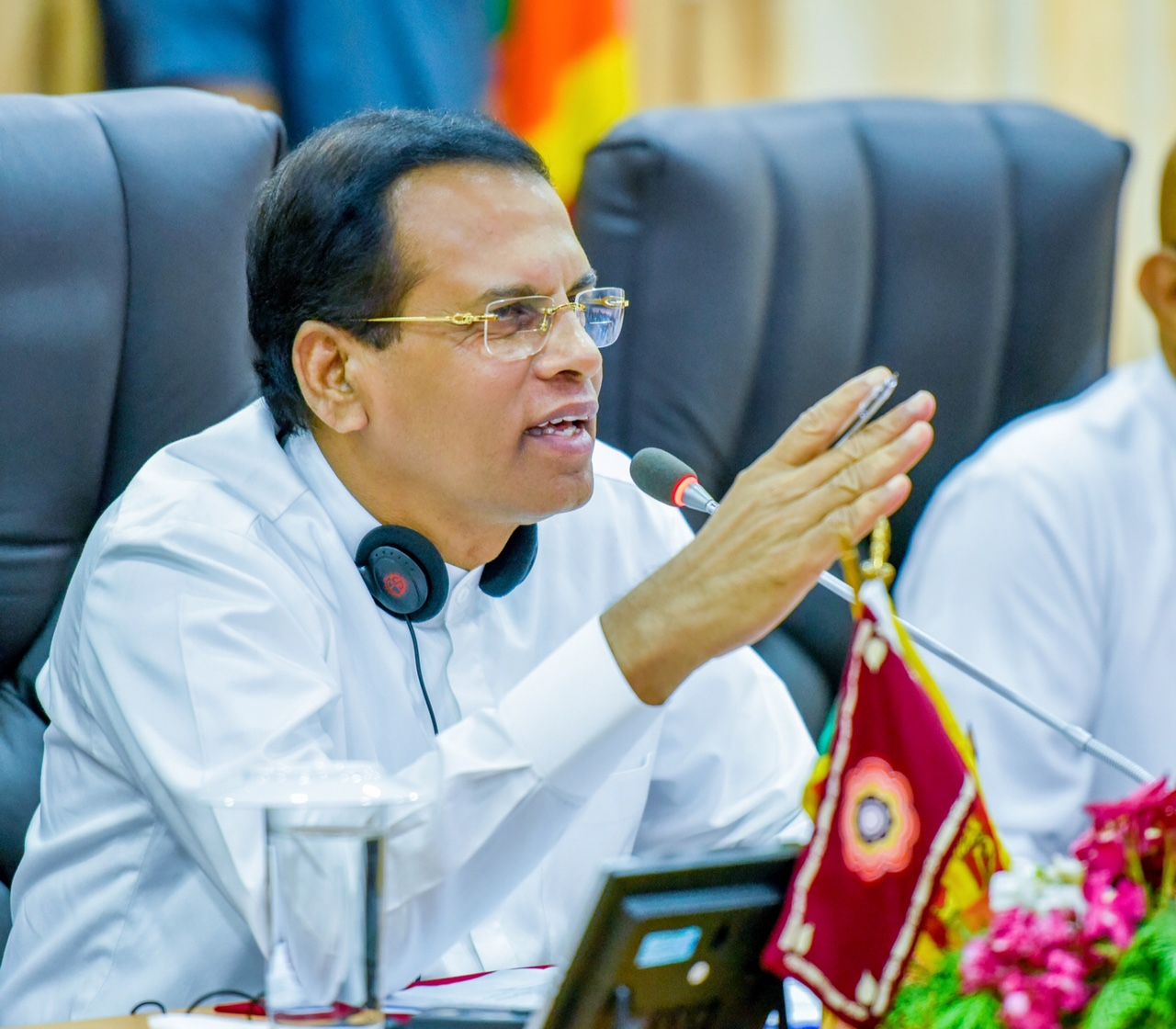 People's lands should be handed over before the end of the years, orders President Maithri