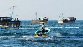 Nets of local fishermen damaged and 9 Sinhala fishermen intercepted brought to shore