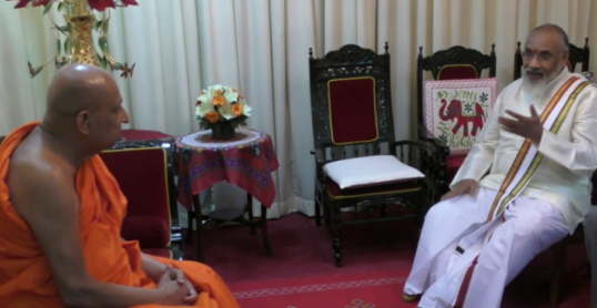CM, Wigneswaran meets the Malwatte Nayake Thero, insists that he is not a racist