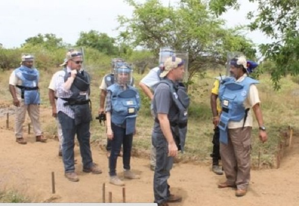 US Embassy group observe demining in Muhamalai