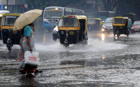Heavy rains in Amparai and Baticaloa Districts