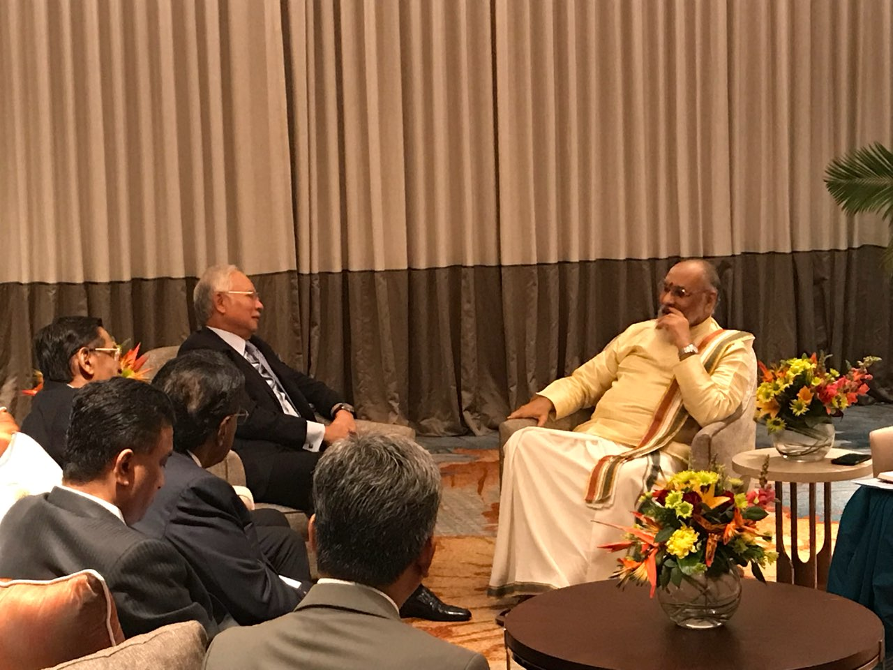 Meeting with Hon' Prime Minister of Malaysia (2)