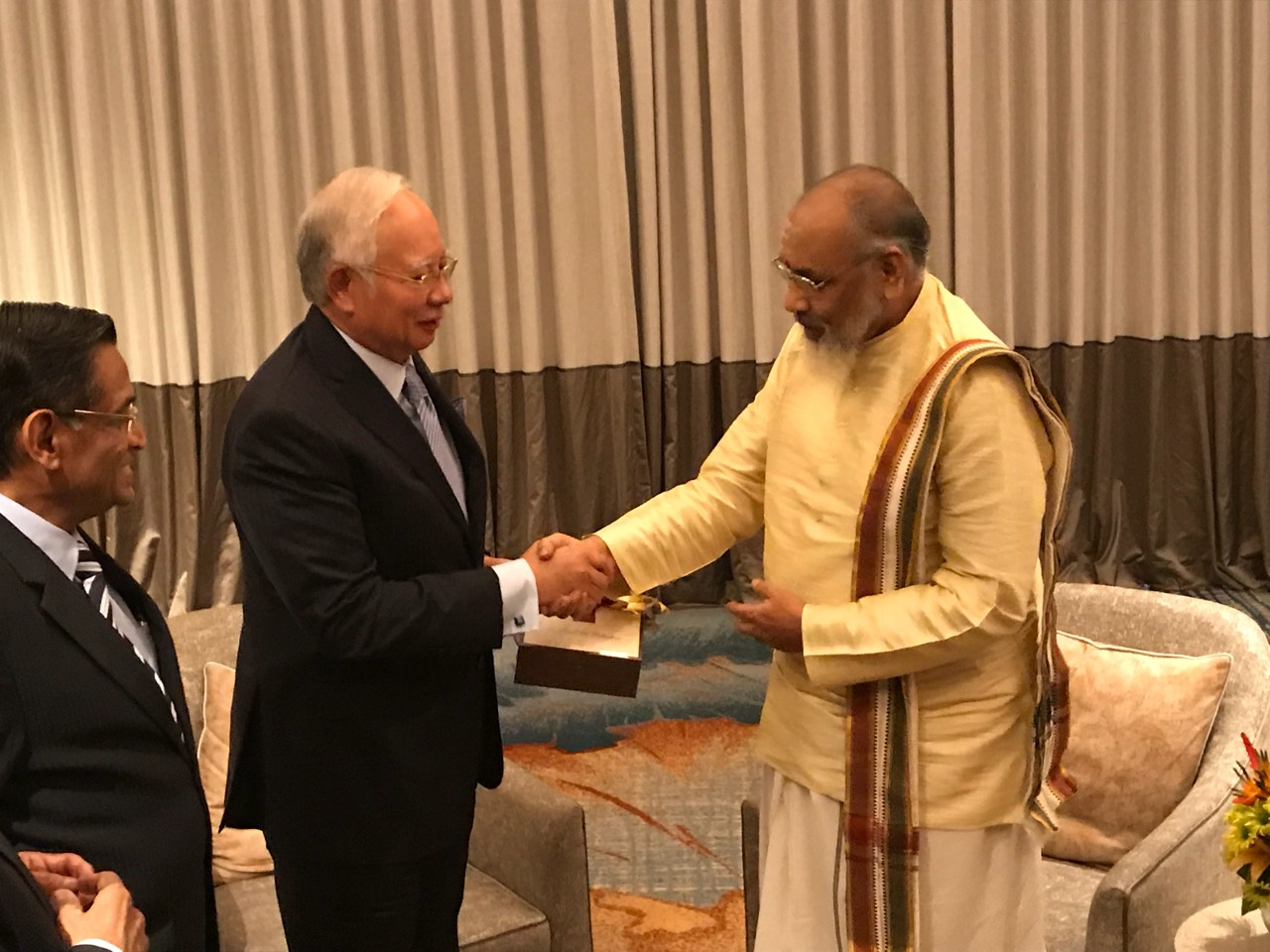 Meeting with Hon' Prime Minister of Malaysia (3)