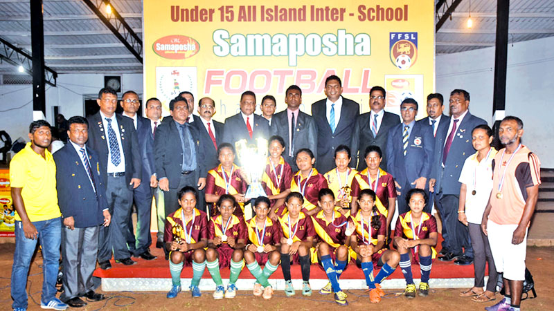 Pandatharippu Girls School wins the crown  in National level Samaposa Football championship