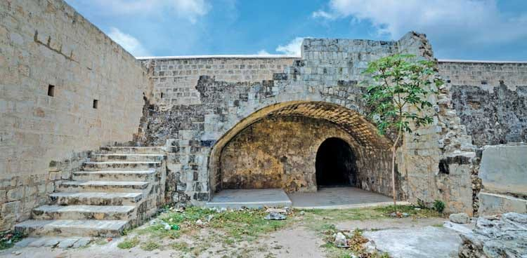 Army refusing permission to tourists to visit the ancient Catholic Church inside Jaffna Fort