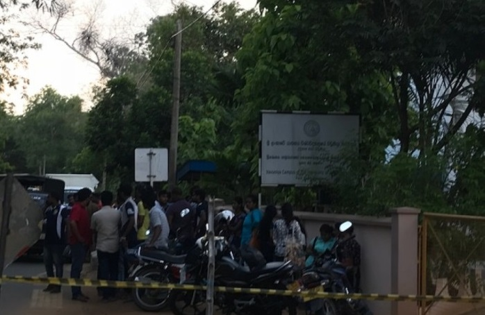 Tension in Vavuniya Campus as Sinhalese students attempting to place Buddha statue
