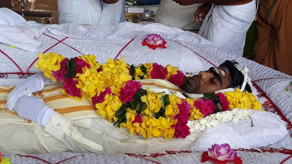 Last respects paid sentimentally to Former Porazhi, Prateeban who died of Cancer