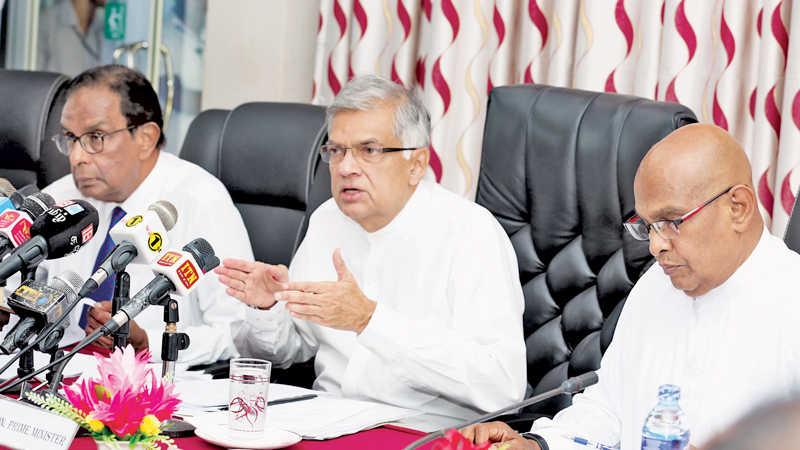 Prime Minister orders the Military to get out of lands in the Jaffna District except in Vali- North