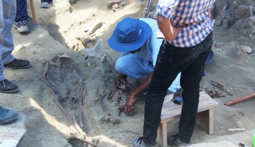 Heart-breaking sight at Sathosa Mass Grave: Skeletons of a Mother and her tender child found