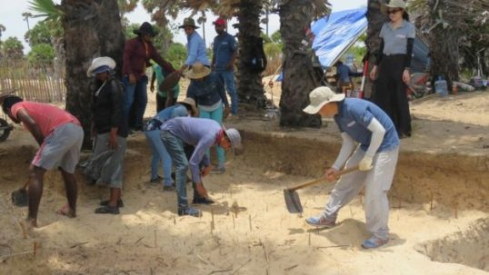 Chinese Officials in excavation at Allaippiddy for Chinese Ship sunk 500 years ago