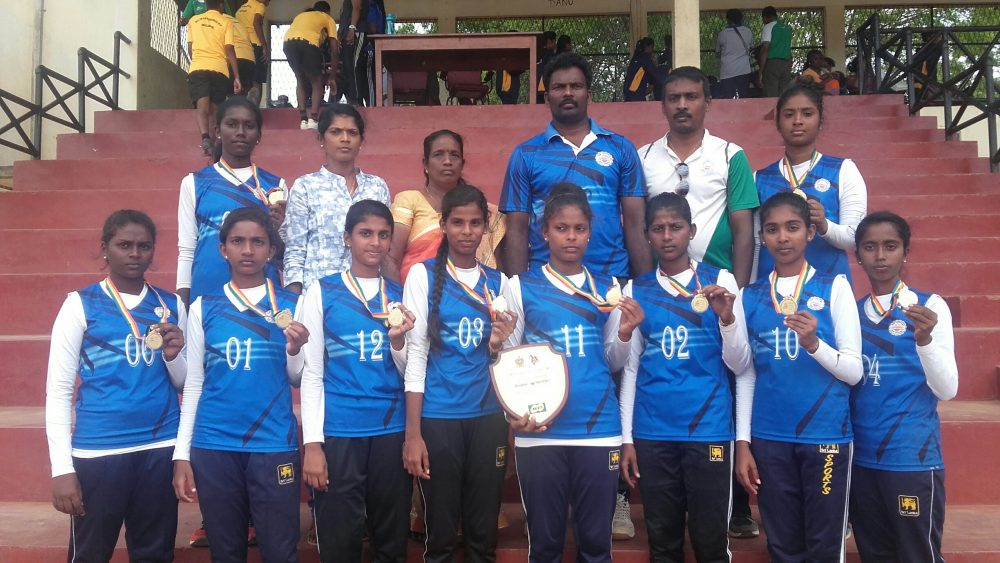 Thellipalai Union wins medals in National Schools Throw ball – Mahajana in final of Football