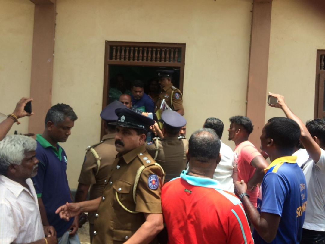 Illegal Fishing in Vadamaradchchi– 8 Southern fishermen 'captured' – police rescue them
