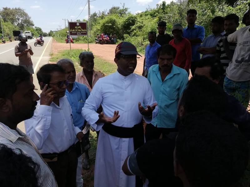 Archaeological Dept. and Army in joint venture to construct Vihare on Tamil Lands in Nayaru,  beaten off by people