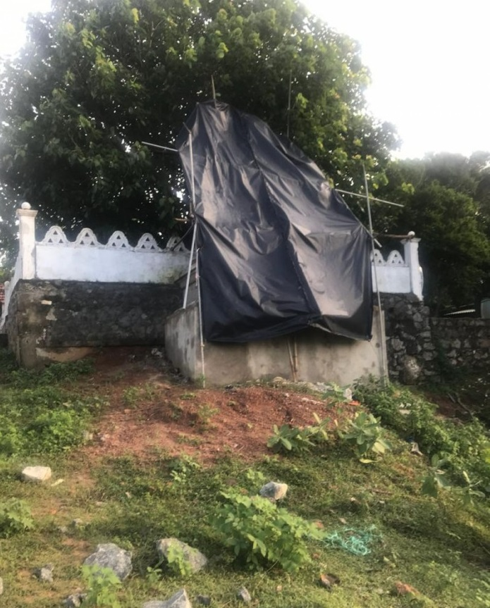 Attempt to install new Buddha statue in Chemmalai of Mulaitheevu