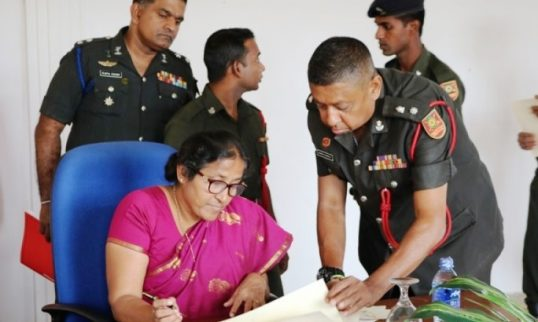 Documents for 45.28 acre of lands at Kilinochchi and Mulaitheevu handed over by the Army