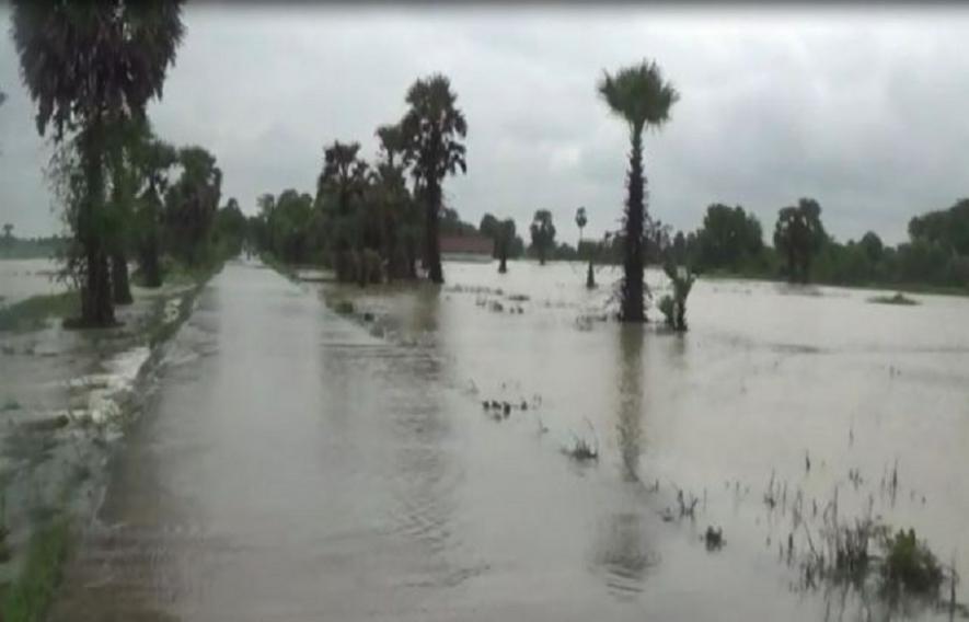 Continuous rain in Mulai and Kilinochchi – All 9 sluice gates of Iranaimadu opened- Disaster warning issued