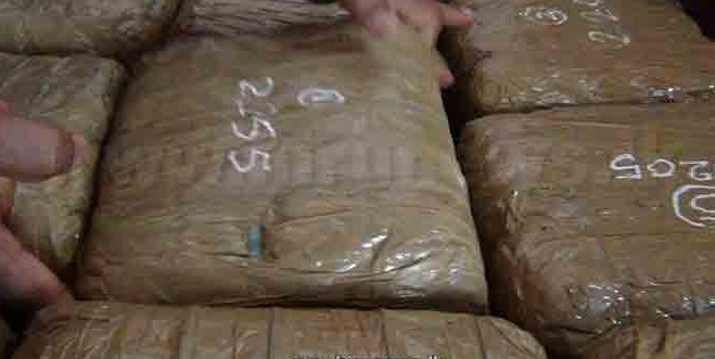 72 Kgs. Kerala Ganja captured and two arrested in the centre town of Chavakachcheri