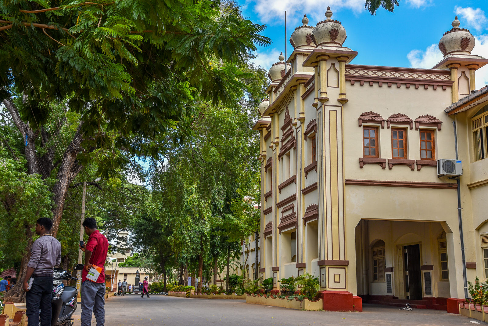 Students of Jaffna University keep away from lectures