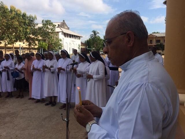 Sentimental Homage paying in Jaffna to victims of Easter Sunday  bomb blasts