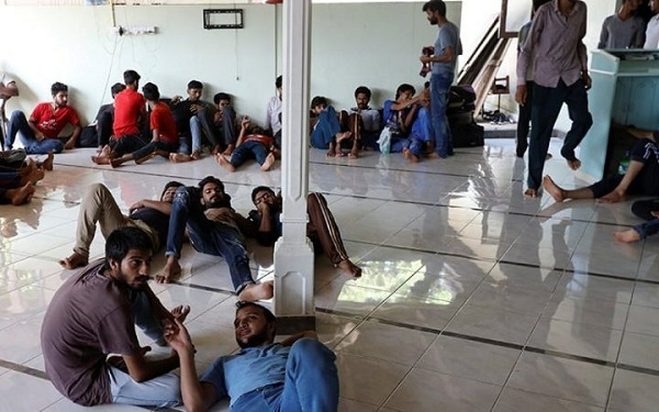 The people who had taken relief items to foreign refugees housed in Vavuniya were turned back by the Army