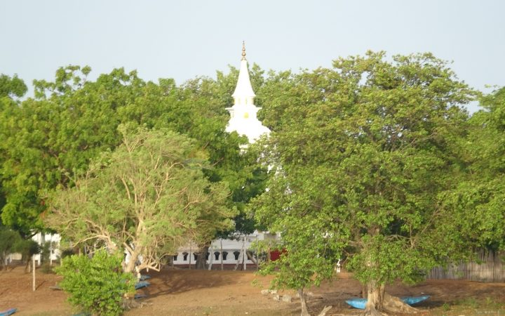 Buddhistization  continuing in Mulaitheevu, Hindu temple robbed to build vihare at Vadduvagal