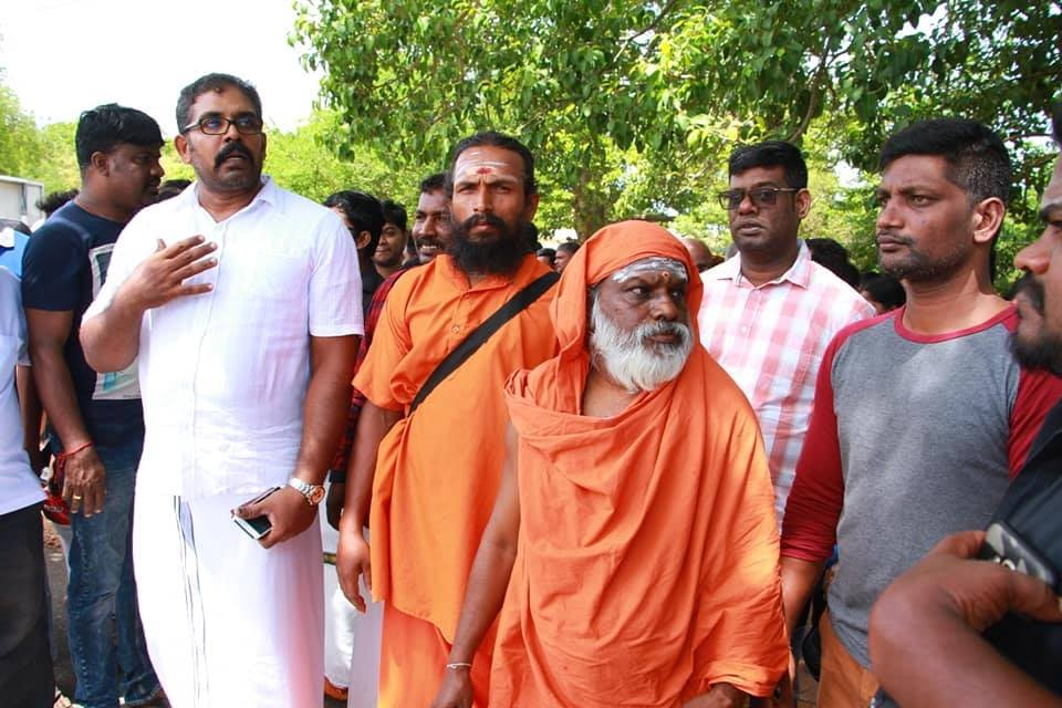 Struggle in Kanniya among blockades- Sinhalese threw hot water on Aatheena Swamigal