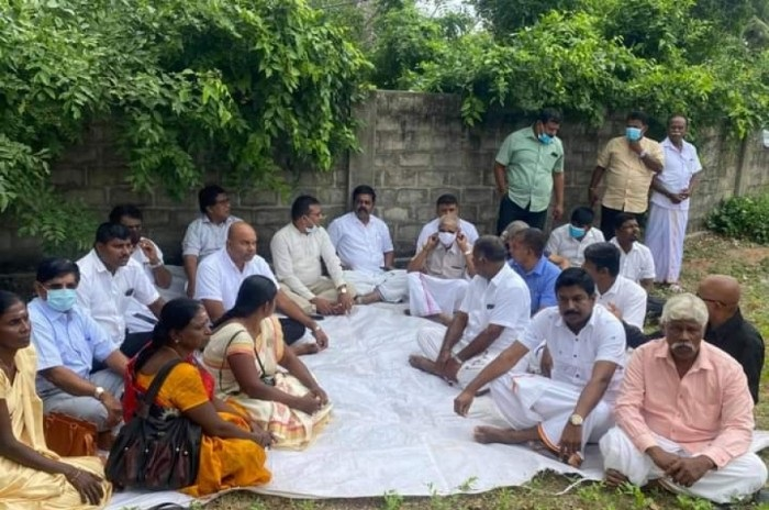 Amidst heavy stringency Tamil Parties gathered at Chavakacheri Sivan Kovil to pay homage to Thileepan